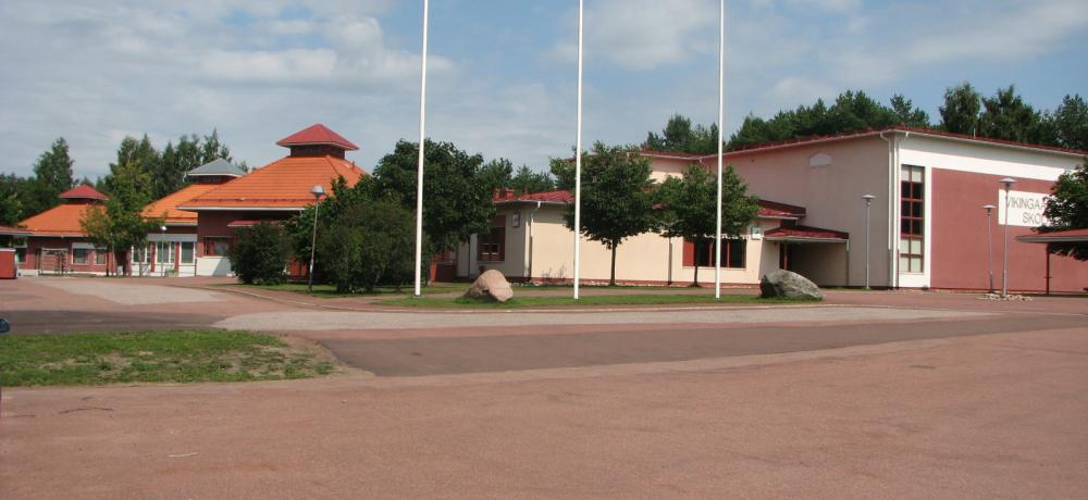 Vikingaåsens skolas fasad